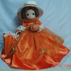 Mary Poppins Precious Moments Halloween Disney Doll! Disney Halloween, Halloween Doll, Downtown Disney Shops, Precious Moments Dolls, Disney Gift, Disney Dolls, Disney Merchandise, Mary Poppins, In This Moment