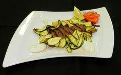 Tagliata con zucchine fritte e fonduta di formaggi - Steak with fried zucchini and cheese fondue - Steak Restaurant