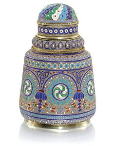 Silver-gilt and cloisonné enamel tea caddy, by Antip Kuzmichev, Moscow, retailed… Tea Canisters, Tea Tins, Tea Caddy, Vases, Russian Art, Russian Style, Faberge Eggs, Glass Art, Perfume Bottles
