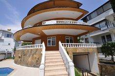 Villa Home For Sale in Alanya Konakli Turkey. 114.500 €, 210 m2, 250 m2 with balconies, 4 rooms, 3 bathrooms and toilets, 3 floor, swimming pool, private park