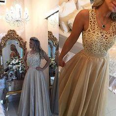 Meninas! Conheçam e também se apaixonem pelos vestidos incríveis do Atelier de vestidos de festa Barbara Melo! ✨✨@bameloteodoro As peças são desenvolvidas sob medida e enviadas para todo Brasil!  @bameloteodoro