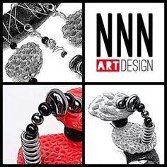 Plastica riciclata. ...pietre ....estro creativo .... passione... così nascono i gioielli di NNN design