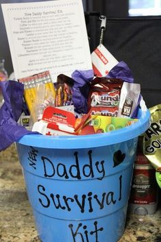 Daddy to be survival kit. Bring something to the baby shower to put into the Daddy Survival Kit. This could be anything from Advil to his favourite candy to alcohol to rubber gloves. Cadeau Baby Shower, Idee Baby Shower, Bebe Shower, Fiesta Baby Shower, Baby Shower Games, Baby Boy Shower, Ducky Baby Showers, Baby Shower Ideas For Girls Themes, Cute Baby Shower Ideas