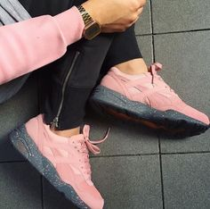 Trendy Sneakers 2018 Sneakers Femme - Puma - Go to Source - Sneaker Pink, Sneaker Boots, Low Top Sneakers, Shoes Sneakers, Puma Sneakers, Women's Shoes, Puma R698, Cute Shoes, Me Too Shoes