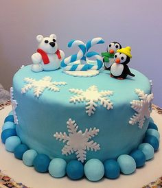 Tarta Decorada con Pingüinos by La Gordi de las Cupcakes, via Flickr