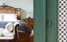 Maison Des Amis | Porto Guest House Towel, Bathroom, Porto, Amigos, Washroom, Towels, Bathrooms, Bath