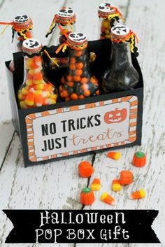 Halloween Pop Box Gift with Free Printables. This is such a cute and easy Halloween Gift!