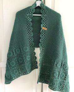 Crochet Shawl Pattern - Rings Of Lace Shawl Written Pattern - Triangulare Shawl Pattern - DIY Wrap S Crochet Poncho Patterns, Crochet Coat, Crochet Shirt, Shawl Patterns, Crochet Trim, Crochet Scarves, Crochet Clothes, Crochet Lace, Crochet Stitches
