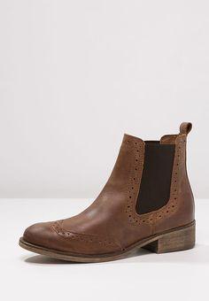 2d3bbe43ea6e1a Les 108 meilleures images de ID chaussures   Boots, Cute flats et ...