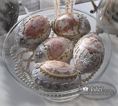 wydmuszki w stylu barokowym Easter Egg Crafts, Easter Eggs, Carved Eggs, Egg Tree, Faberge Eggs, Egg Decorating, Vintage Easter, Design Crafts, Seasonal Decor