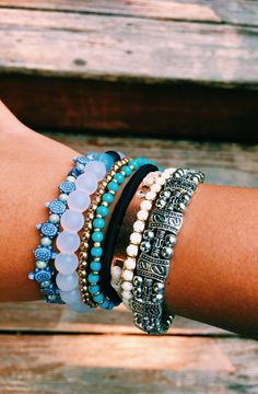 Beautiful Bracelet Ideas for Women 11 > galafashion. Cute Jewelry, Jewelry Box, Jewelry Accessories, Jewelry Design, Piercings, Summer Bracelets, Layered Bracelets, Gold Bracelets, Ankle Bracelets