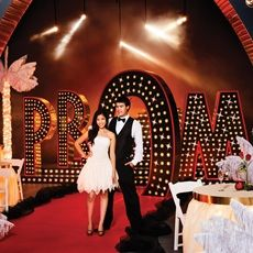 Create A Prom Theme Thats Part Red Carpet Vegas Show And Teen