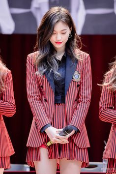 Kpop Girl Groups, Korean Girl Groups, Kpop Girls, Stage Outfits, Kpop Outfits, Trajes Business Casual, Choi Yoojung, Kim Sejeong, School Fashion