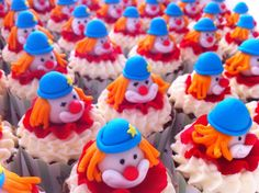 Clown circus cupcakes