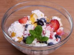 Cottage Cheese with Fruit Servings: 1 Calories: 185