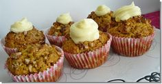 O varení, živote a tak...: Tekvicové muffiny Ale, Muffins, Breakfast, Food, Morning Coffee, Muffin, Ale Beer, Essen, Meals