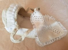 Crocheted Doll Moses Basket with Bed sheet Blanket Pillow