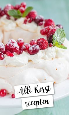 Alle kerstrecepten op een rijtje | LeukeRecepten Christmas Food Treats, Christmas Desserts, Dutch Recipes, Desert Recipes, Deserts, Dinner Recipes, Food And Drink, Snacks, Sweet