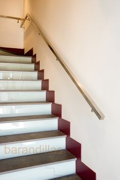 1000 images about escalera on pinterest led staircase - Escaleras de madera para interiores ...