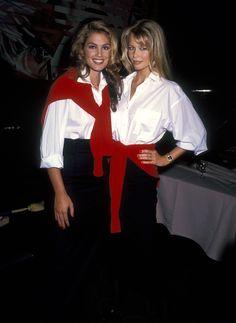 Claudia Schiffer accompagnée de Cindy Crawford au concours Revlon Unforgettable Woman à New York, le 14 septembre 1992