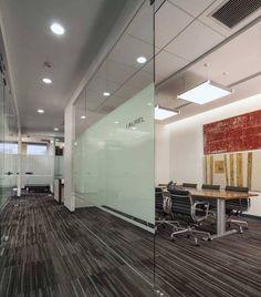SAI presta servicios de derecho, economía y banca de inversión. Debido al crecimiento de personal deciden ampliar las oficinas y cambiarse a otro piso dentro del edificio Plaza Reforma en Santa Fe.…
