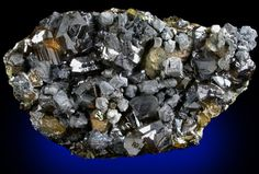 Sphalerite (Spinel-law twinned) with Chalcopyrite and Galena from Commodore Mine, Creede District, Mineral County, Colorado