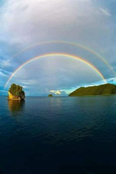Rainbow before Sunset Rainbow Magic, Rainbow Sky, Over The Rainbow, Beautiful World, Beautiful Images, Mother Earth, Mother Nature, Rainbow Promise, Nature Landscape