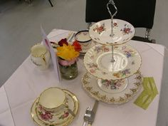 vintage and chintz travelling teas: China Hire Offer20 Place setting inc Trio's & Tea...