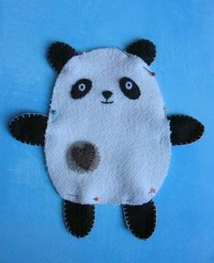 How to make a simple soft toy, as requested by a friend. Enlarge the pattern to whatever size you like, my panda is about tall. Felt Patterns Free, Sewing Patterns For Kids, Sewing For Kids, Sewing Stuffed Animals, Stuffed Toys Patterns, Softies, Plushies, Toy Craft, Baby Shower