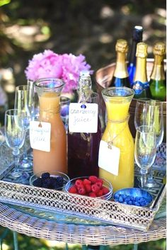 Bubbly Bar - love this for a brunch party or weekend guests. Bubbly Bar, Mimosa Bar, Champagne Bar, Champagne Breakfast, Bellini Bar, Champagne Gifts, Drink Bar, Cocktails Bar, Iced Tea
