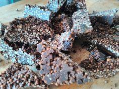 85% dark chocolate+organic puffed amaranth+raisin bars