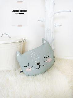 Katzenkissen von MASCHAA auf DaWanda.com