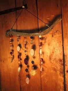 mobile bois flotté aux tons orangés