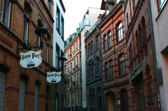 Im Stavenhof, Köln #spottedbylocals #reisezeile (by Tim Steins)