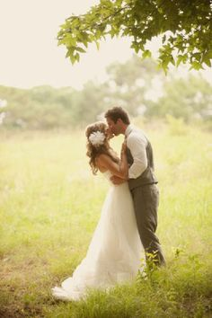 Country # wedding kiss... Wedding ideas for brides, grooms, parents & planners ... https://itunes.apple.com/us/app/the-gold-wedding-planner/id498112599?ls=1=8 … plus how to organise an entire wedding ♥ The Gold Wedding Planner iPhone App ♥