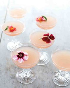 DIY Boho Cocktail Bar: Cocktail Recipe - The Bohemian | SouthBound Bride | http://www.southboundbride.com/how-to-create-a-boho-cocktail-bar-for-your-wedding | Credit: Martha Stewart Weddings