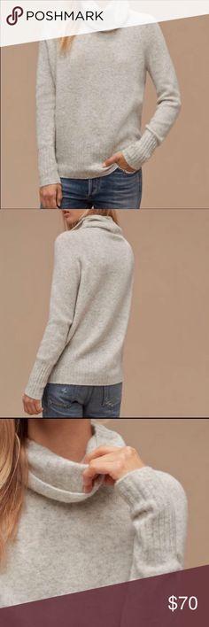 62ebe25dec9c Aritzia Community Plutarch Turtleneck sweater Aritzia/Community | size xxs (fits  like an xs