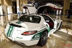 oitures de police de dubai Mercedes Benz SLS AMG1 2 Les voitures de police de Dubaï sport Quatar police photo Lamborghini Aventador imag...