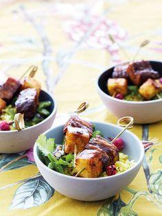 Varklies-en-pynappelstokkies Potato Salad, Potatoes, Chicken, Meat, Ethnic Recipes, Jaco, Food, Beef, Potato