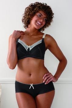 Royce Lingerie Women's 'Lauren' Wire-Free Cotton-Lined Nursing Bra (839) with matching Boy Shorts ( 840 ) .