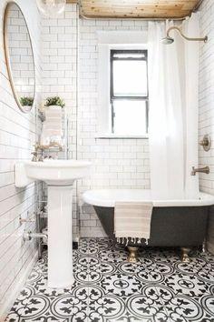 Awesome 85 Small Bathroom Decor and Design Ideas https://bellezaroom.com/2018/04/11/85-small-bathroom-decor-and-design-ideas/