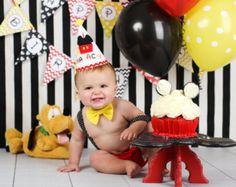 Soporte de la torta de Mickey mouse, Mickey mouse, soporte de la torta, decoración mickey mouse, minnie mouse decoración, birthdaydecor primera, soporte madera torta, torta de smash