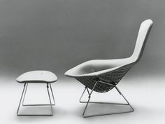 The French Vintagologist - Bird Lounge Chair by Harry Bertoia