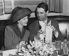 Rosalind Russell and Cary Grant (1941 candid)