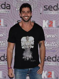 Marcelo vai ao show de lançamento do DVD de Anitta em SP