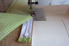 Nem megy a cipzár varrás? … Mutatom! | Varrott Világom Sewing Projects, Bags, Totes, Creative, Purses, Lv Bags, Hand Bags, Bag, Handbags