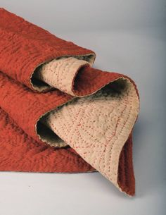 red lindsey woolsey Antique Quilts, Vintage Textiles, Whole Cloth Quilts, Wool Quilts, Queen Quilt, Needful Things, Quilting Tutorials, Hand Quilting, Wool Blanket