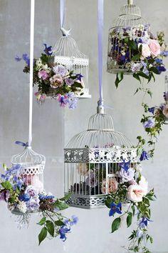 Bird Cage Flower Arrangement Centerpieces Center Pieces Ideas For 2019 Deco Floral, Floral Design, Deco Champetre, Decoration Vitrine, Wedding Flowers, Wedding Day, Budget Wedding, Wedding Bouquets, Spring Wedding