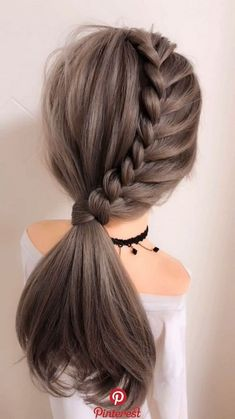 65 Women's Easy Hairstyles Step By Step DIY - The Finest Feed Are you feeling bored with your regular look? If you are, then you gotta change it quickly. Checkout these Easy DIY Hairstyles for Women. Easy Hairstyles For Long Hair, Diy Hairstyles, Wedding Hairstyles, Hairstyle For Women, Easy Elegant Hairstyles, Hairstyle Ideas, Half Pony Hairstyles, Long Hair Dos, Fishtail Hairstyles