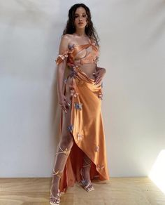 Fashion Week, Look Fashion, Runway Fashion, High Fashion, Womens Fashion, Elegant Dresses, Pretty Dresses, Beautiful Dresses, Butterfly Dress